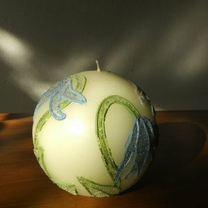 beaded sphere candle